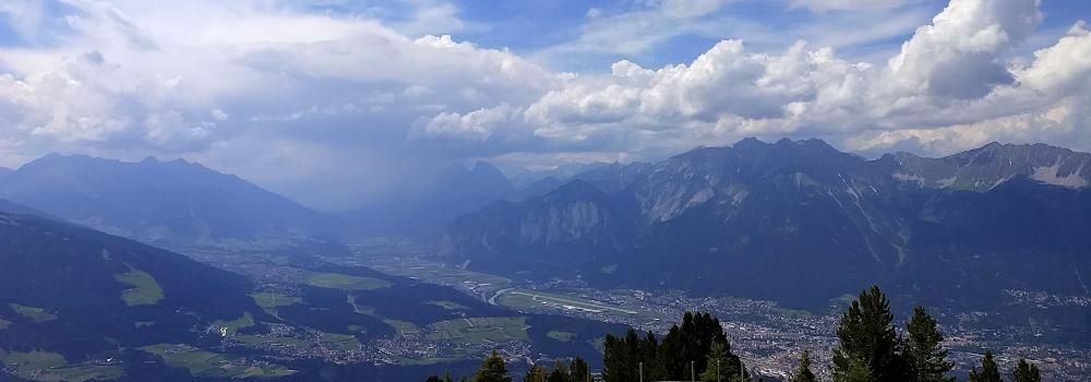 Innsbruck liegt im Sonnenschimmer ...